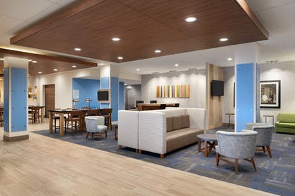 Lobby | Holiday Inn Express And Suites-Cincinnati South - Wilder