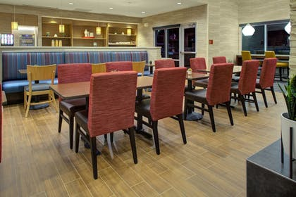Restaurant | TownePlace Suites by Marriott Phoenix Chandler/Fashion Center