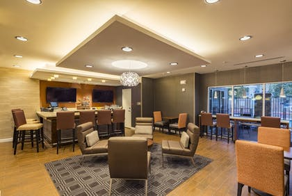 Hotel Bar | TownePlace Suites by Marriott Phoenix Chandler/Fashion Center