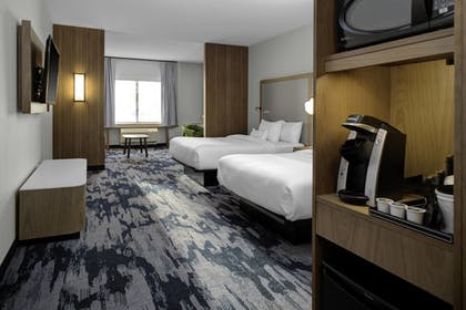 Guestroom | Fairfield Inn & Suites by Marriott Roanoke Salem