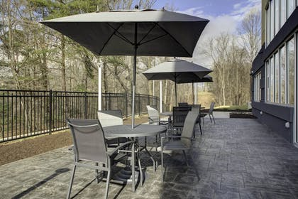 Terrace/Patio | Fairfield Inn & Suites by Marriott Roanoke Salem