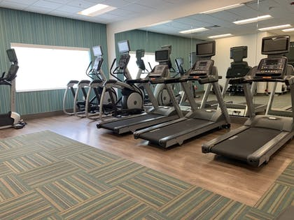 Fitness Facility | Holiday Inn Express & Suites Denver - Aurora Medical Campus