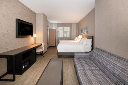 Guestroom | Fairfield Inn & Suites by Marriott/World Trade Center Area