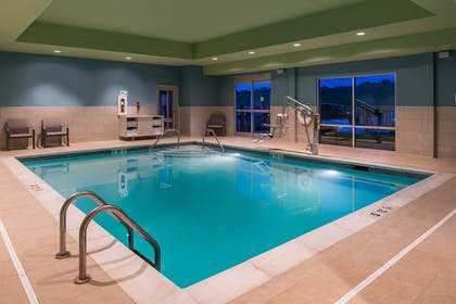 Pool | Holiday Inn Express & Suites Farmville