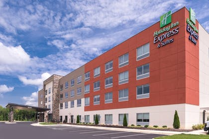 Featured Image | Holiday Inn Express & Suites Farmville