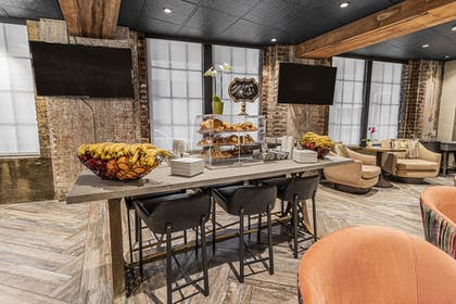 Breakfast Area | The Mercantile Hotel New Orleans