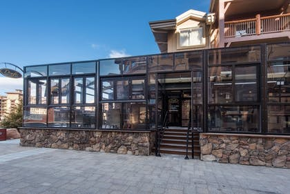 Hotel Bar | Canyons Village Condos by All Seasons Resort Lodging