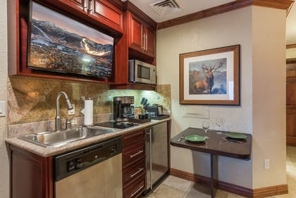In-Room Kitchen | Canyons Village Condos by All Seasons Resort Lodging