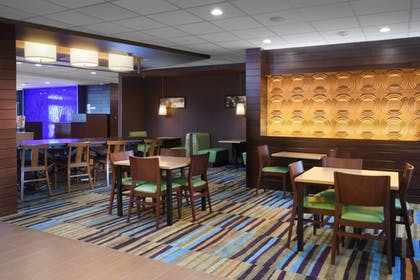Restaurant | Fairfield Inn & Suites by Marriott Fort Worth South/Burleson