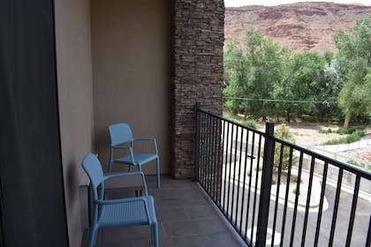 Balcony | MainStay Suites Moab near Arches National Park