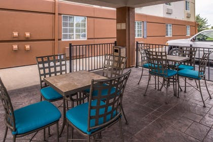 Terrace/Patio | Candlewood Suites Topeka West