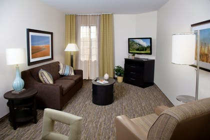 Living Area | Candlewood Suites Topeka West