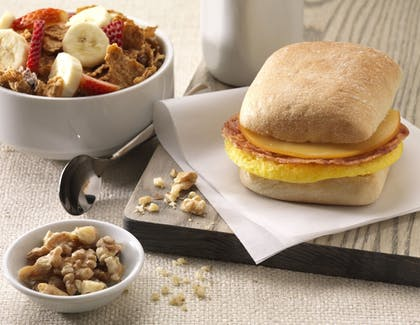 Breakfast Meal | Home2 Suites by Hilton Chicago McCormick Place