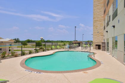 Pool | Holiday Inn Express Early