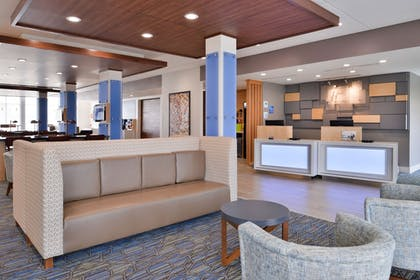 Lobby | Holiday Inn Express Early