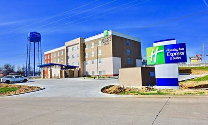 Exterior | Holiday Inn Express & Suites Perryville