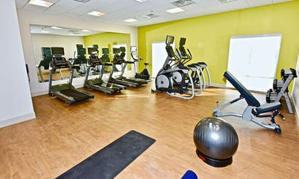 Fitness Facility | Holiday Inn Express & Suites Perryville