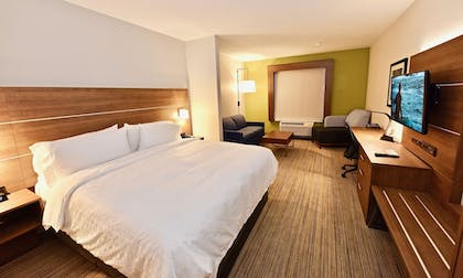Guestroom | Holiday Inn Express & Suites Perryville