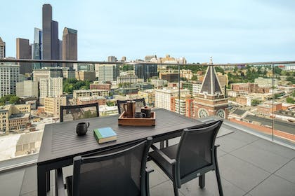 Terrace/Patio | Embassy Suites by Hilton Seattle Downtown Pioneer Square