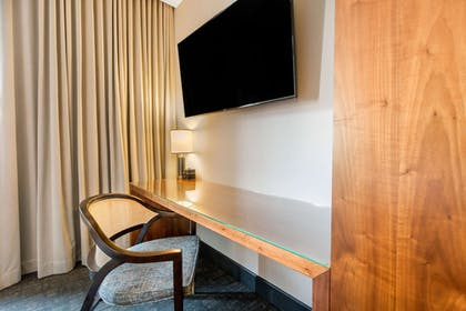 Room | Cambria Hotel Downtown Dallas