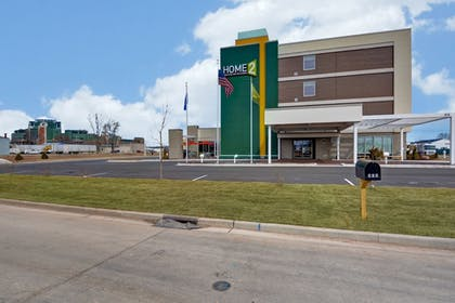 Hotel Front | Home2 Suites by Hilton Green Bay