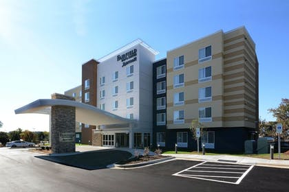 Hotel Front | Fairfield Inn & Suites by Marriott Raleigh Capital Blvd./I-540