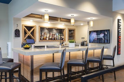 Dining   TownePlace Suites by Marriott Louisville North