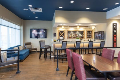 Restaurant   TownePlace Suites by Marriott Louisville North