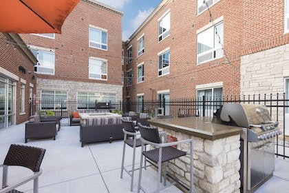 BBQ/Picnic Area   TownePlace Suites by Marriott Louisville North