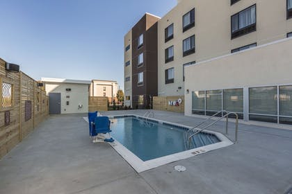 Outdoor Pool | TownePlace Suites by Marriott Hopkinsville