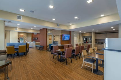 Breakfast Area | TownePlace Suites by Marriott Hopkinsville