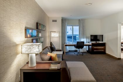 Guestroom | Residence Inn by Marriott Dallas at The Canyon