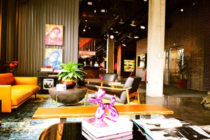 Lobby Sitting Area | MOXY Minneapolis Uptown
