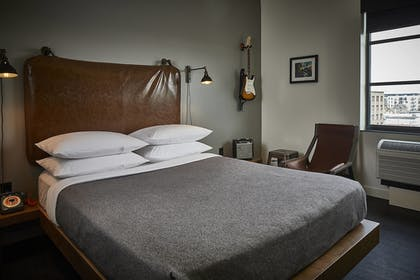 Guestroom | MOXY Minneapolis Uptown