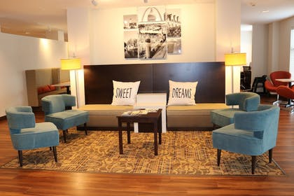 Lobby Sitting Area | MainStay Suites St. Louis - Airport