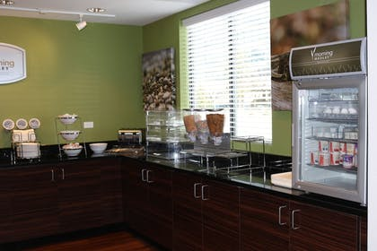 Breakfast Area | MainStay Suites St. Louis - Airport