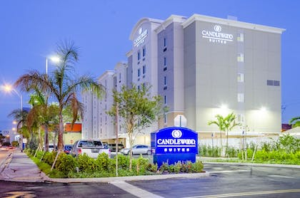 Hotel Front - Evening/Night | Candlewood Suites Miami Intl Airport-36th St