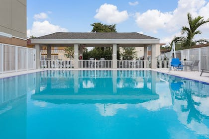 Pool | Candlewood Suites Miami Intl Airport-36th St
