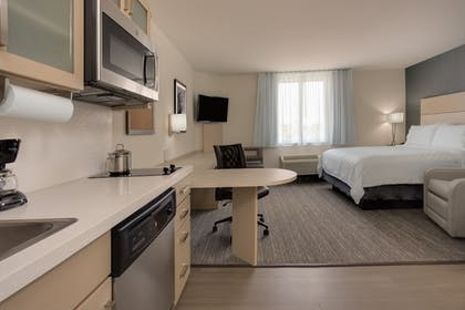 Guestroom | Candlewood Suites Miami Intl Airport-36th St