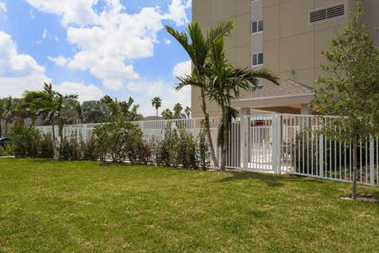 Property Grounds | Candlewood Suites Miami Intl Airport-36th St