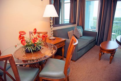 Living Room | Bluegreen Vacations Horizon at 77th an Ascend Resort