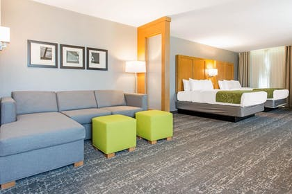 Guestroom | Comfort Suites North Charleston - Ashley Phosphate