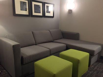 Living Area | Comfort Suites North Charleston - Ashley Phosphate