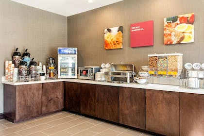 Breakfast Area | Comfort Suites North Charleston - Ashley Phosphate