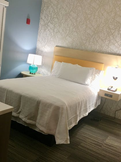 Guestroom | Home2 Suites by Hilton Lake Charles