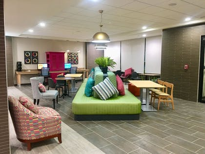Lobby Sitting Area | Home2 Suites by Hilton Lake Charles