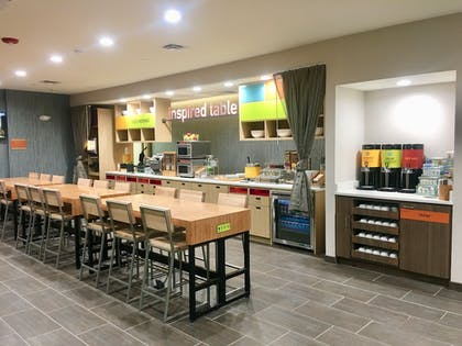 Breakfast Area | Home2 Suites by Hilton Lake Charles