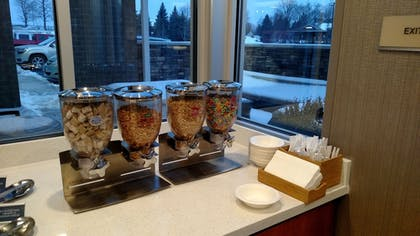 Breakfast Area | Springhill Suites Grand Rapids West