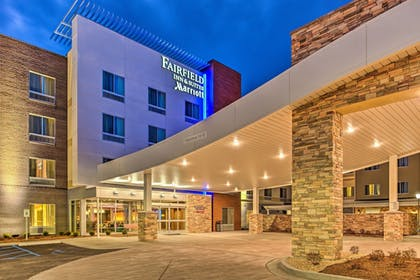 Hotel Entrance | Fairfield Inn & Suites St Louis Westport