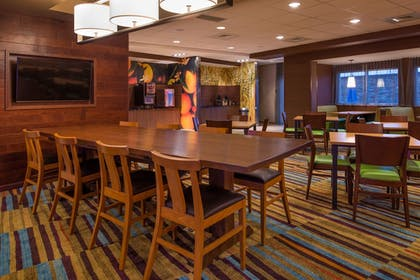 Breakfast Area | Fairfield Inn & Suites St Louis Westport